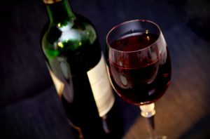 How Many Glasses of Wine In a Bottle? Something That Wine Lovers Should Know