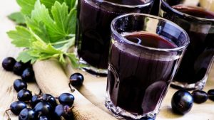 All You Need To Know About Creme De Cassis – A Burgundian Liqueur