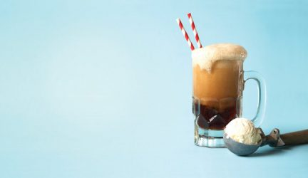 Root Beer Float: The American Summer Staple Reinvented With a Boozy Twist